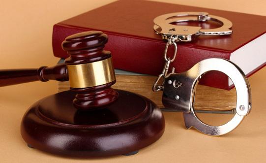 Як вибрати адвоката у кримінальних справах?